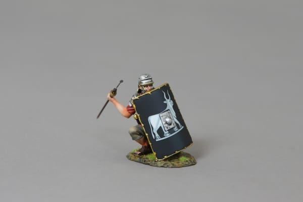 ROM120B Legionnaire Crouching Behind Shield (9th black shield)