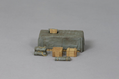 ACC PACK 054B Tarpaulin Covered Crate (No decals)