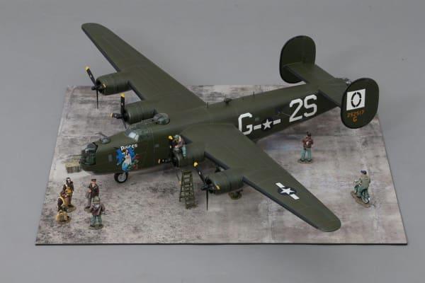 WOW267 B-24 Liberator 'Pisces'