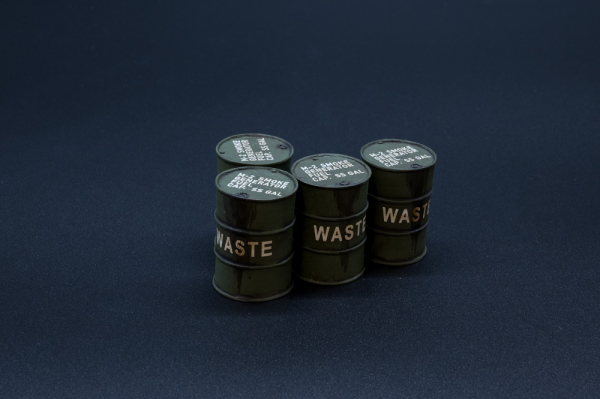 ACC PACK 064A US Barrels with Waste Oil Markings