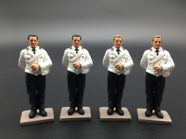 BER017A 4 Man Waiter Set