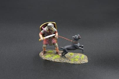 ROM119B Legionnaire with War Dog (9th black shield)