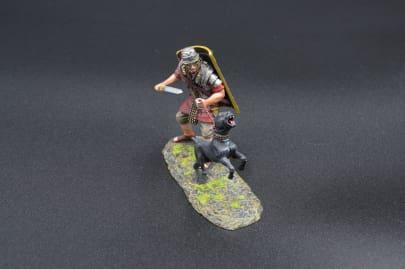 ROM119C Legionnaire with War Dog (19th green shield)
