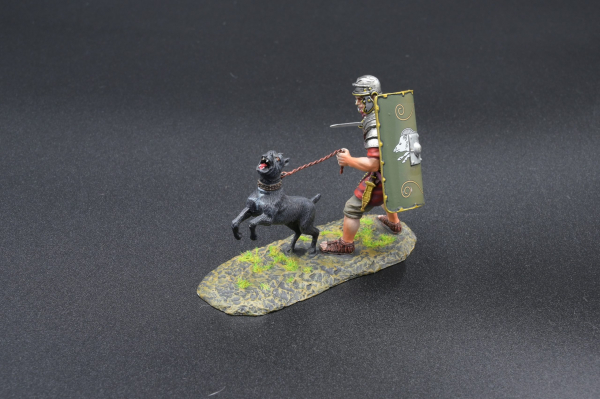 ROM119C Legionnaire with War Dog (19th green shield)