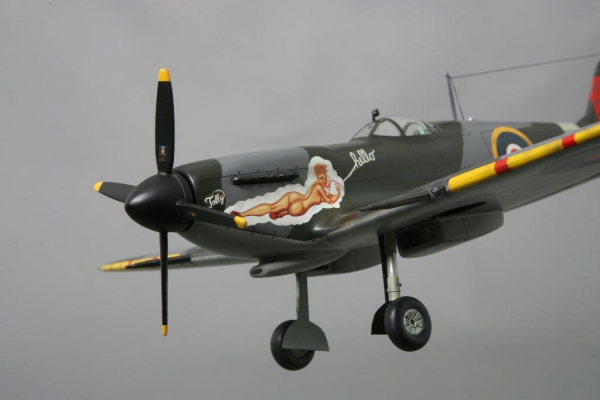 WOW078 Spitfire Mk9 (Hello Tolly)