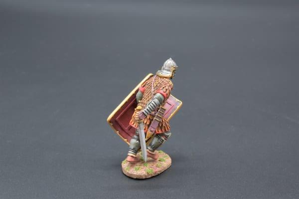 ROM072B Charging Legionnaire in Scale Armour (30th Legion)