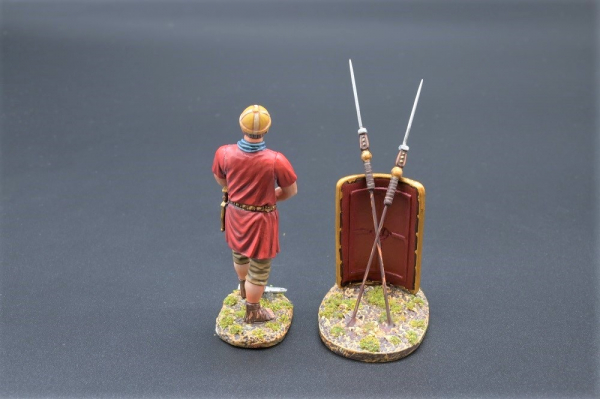 ROM085A - Legionnaire with Pick Axe (Red Shield)