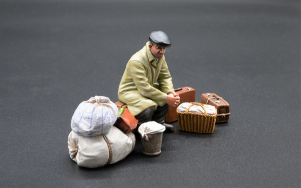 HF002 Refugee with Suitcases