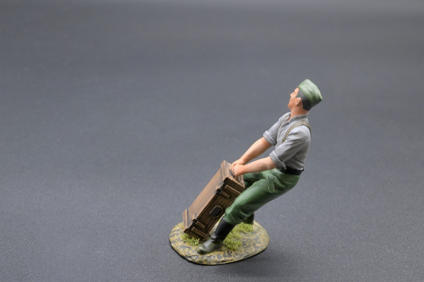 ACC PACK 023 Artillery Soldier with Crate