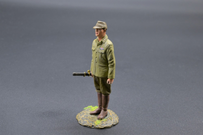 RS069 Japanese Officer with Katana