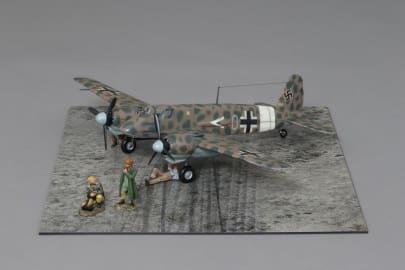 WOW259 Desert Henschel