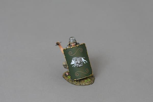 ROM120C Legionnaire Crouching Behind Shield (19th green shield)